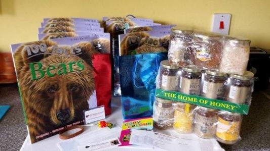 Meet the Bears - Goodies